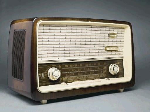 Radio_Revolution-min.jpg