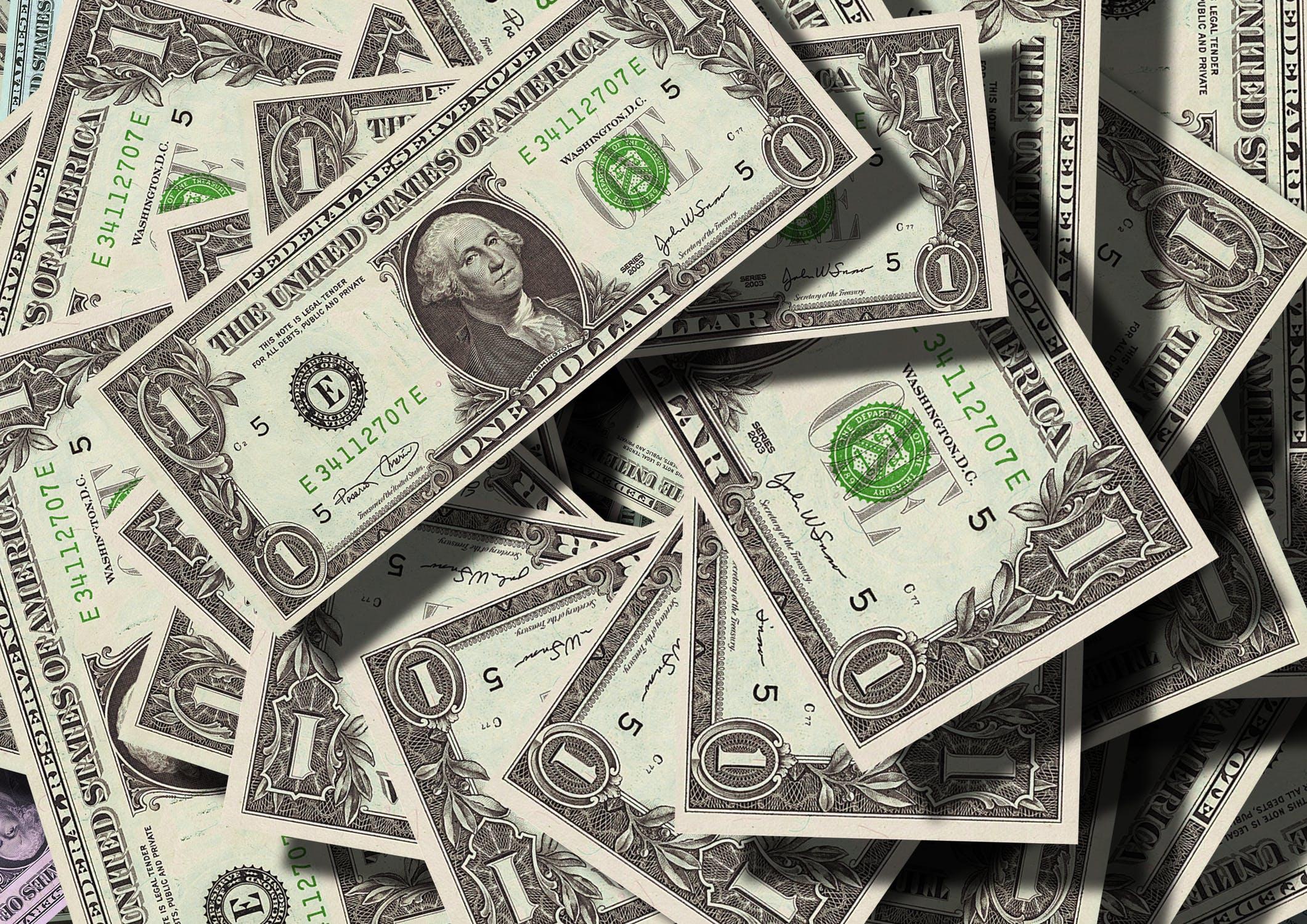 US Dollar 99