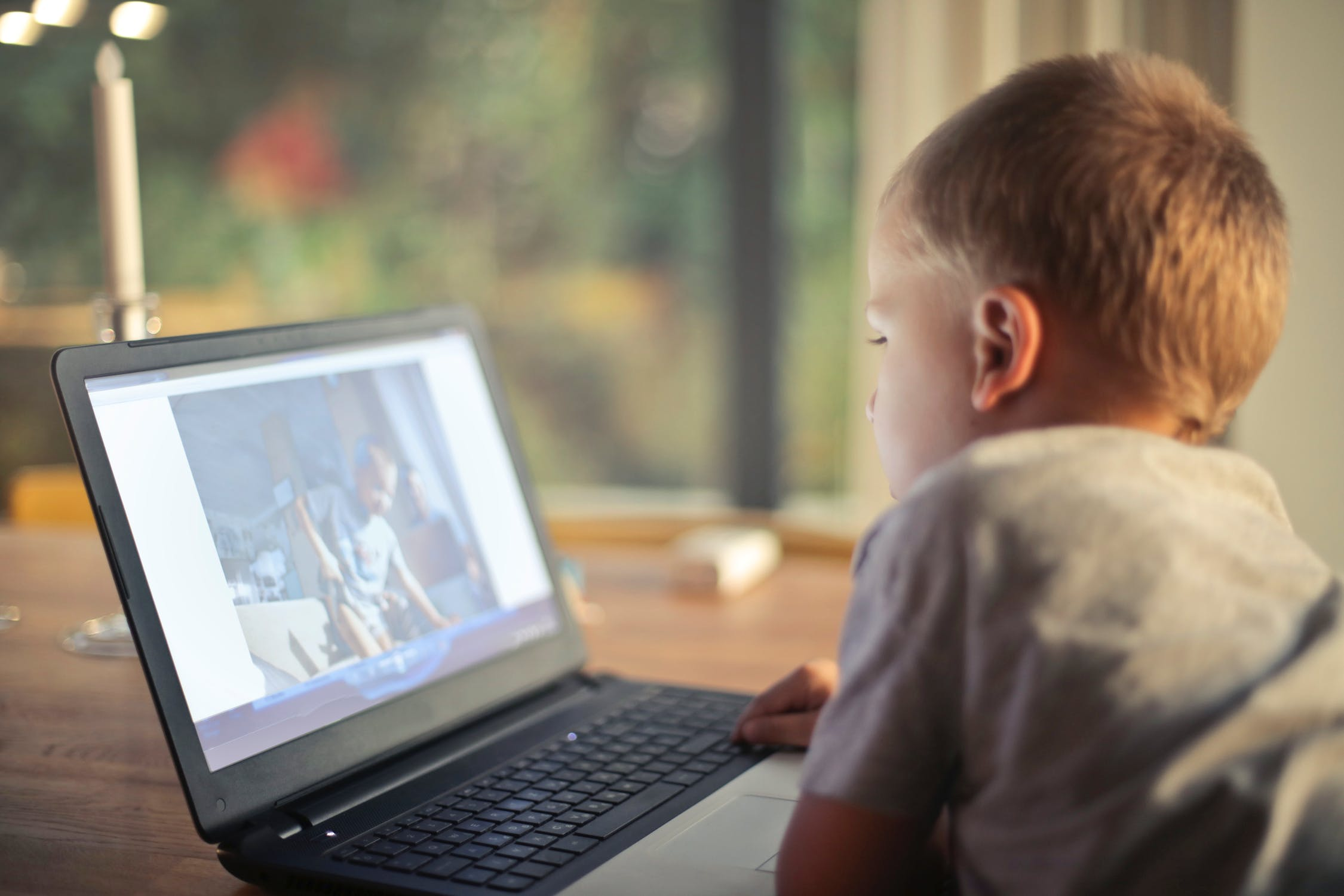 How to Reduce Screen Time for Your Child